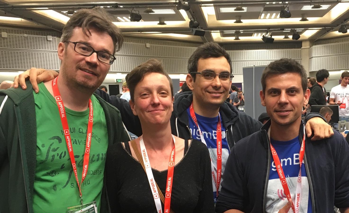Retrouvailles des développeurs de Lozange Lab (à gauche) à la Casual Connect Europe 2018